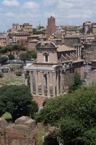 Мы думали, что это Римский Форум, оказалось, что нет. Но все равно выглядит круто